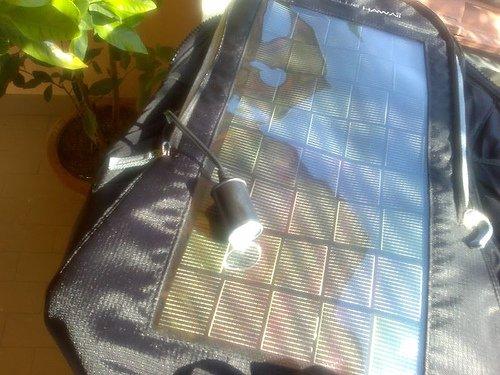 Zaino con pannello fotovoltaico